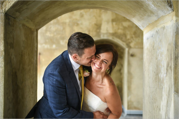 Photography: Compare wedding photographers' prices & packages