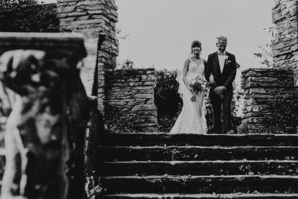 Special Day Wedding Photos: Compare wedding photographers' prices & packages