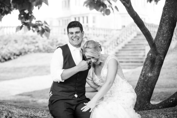 Love in Focus: Compare wedding photographers' prices & packages